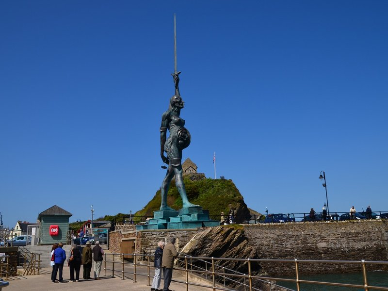 Damien Hirst's Verity statue