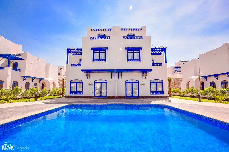 Luxury 4BD Villa in Hurghada, Sea View, Private Heated Pool, holiday rental in Makadi Bay