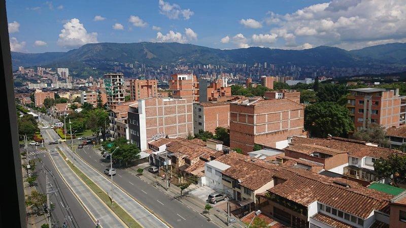 Medellin Estudio cerca al Metro Plus, Mall Nueva Villa de Aburra, CC Los Molinos, vacation rental in San Antonio de Pereira