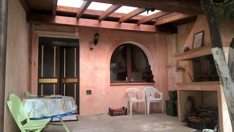 Beautiful house near the beach, vacation rental in Villaputzu