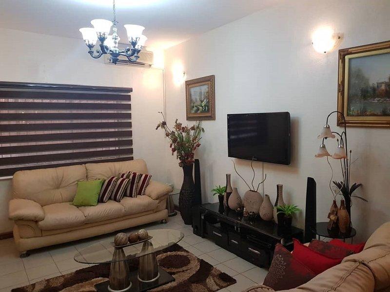 4 bedroom duplex in Secured Estate, Lekki., alquiler vacacional en Lekki