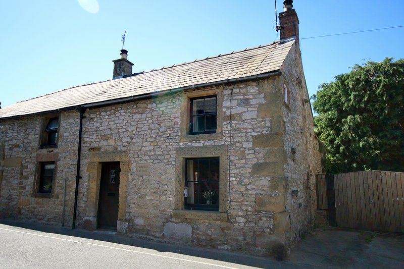 PUMPKIN COTTAGE YOULGRAVE PEAK DISTRICT, holiday rental in Bakewell