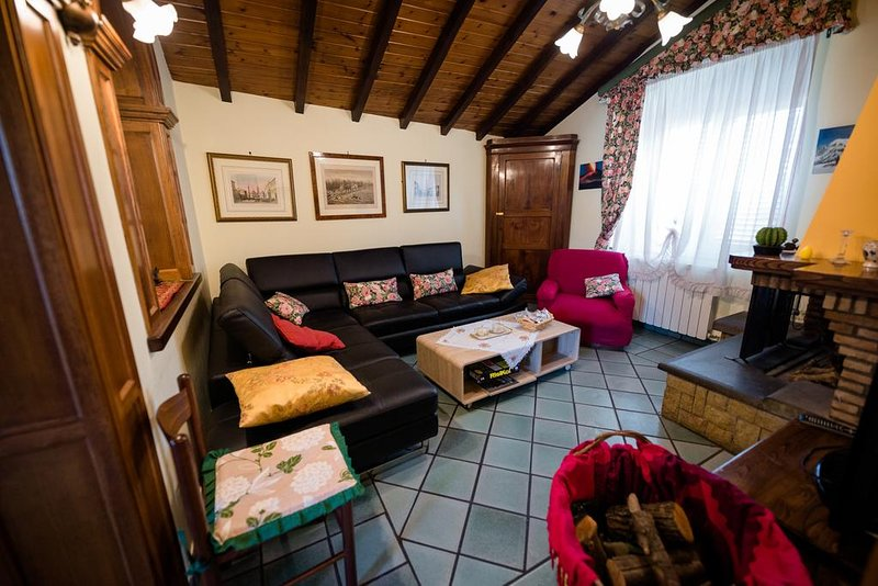 House - 15 km from the slopes, vacation rental in Solicchiata