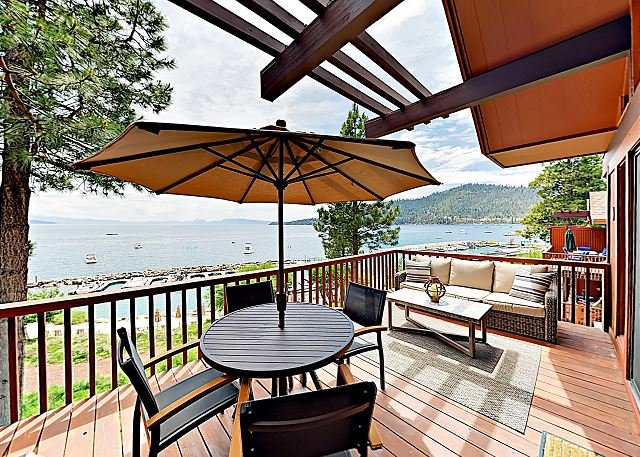 Updated Townhouse w/ Balconies & Panoramic Lakefront Views, vacation rental in Incline Village