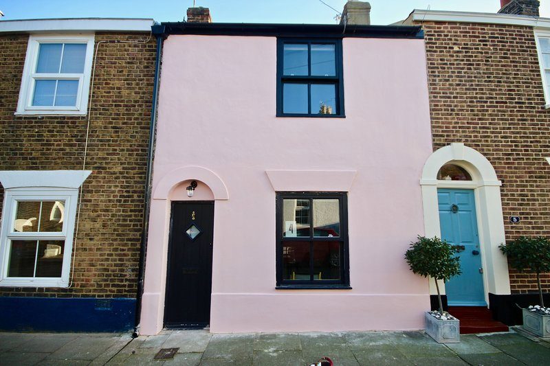 The Pilot's House - A lovingly renovated 200 year old cottage bursting with char, holiday rental in Worth