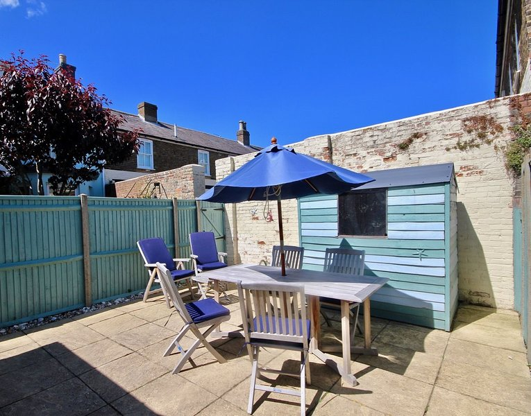 Gerald's Place - Modern holiday home in Walmer, Deal with parking, vacation rental in Great Mongeham