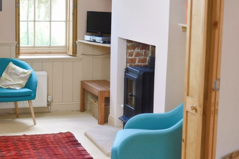 The French House - Welcome to The French House. Sleeping seven this nineteenth c, holiday rental in Worth