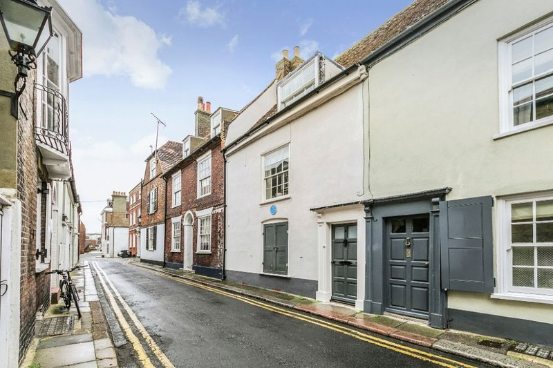 8 Middle Street - Superb Grade II listed holiday home in the Conservation area i, location de vacances à Deal