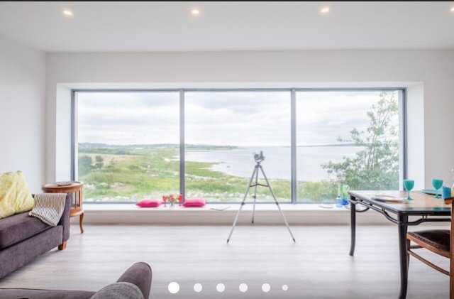 Spectacular sea view lodge at Oranmore Castle, holiday rental in Galway