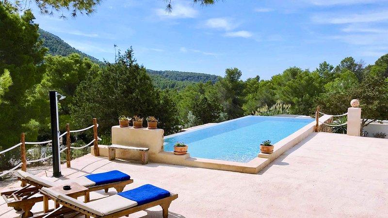 Cala Vadella Villa Sleeps 12 with Air Con - 5049318, holiday rental in Cala Vadella