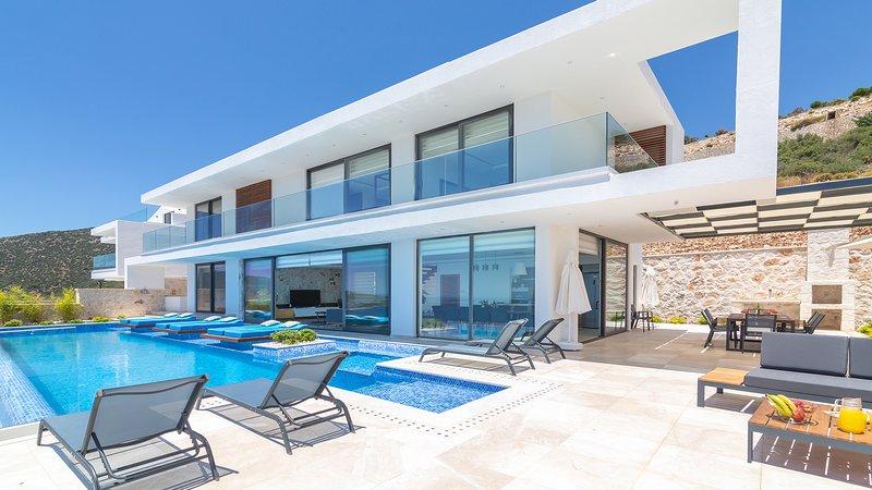 Villa Blue Angels Quattro is a brand new 5 bedroom villa located in the Kalamar, Ferienwohnung in Kalkan