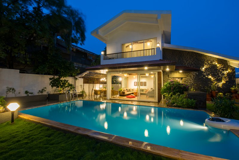EL Lodge by Vista Rooms, holiday rental in Pune District