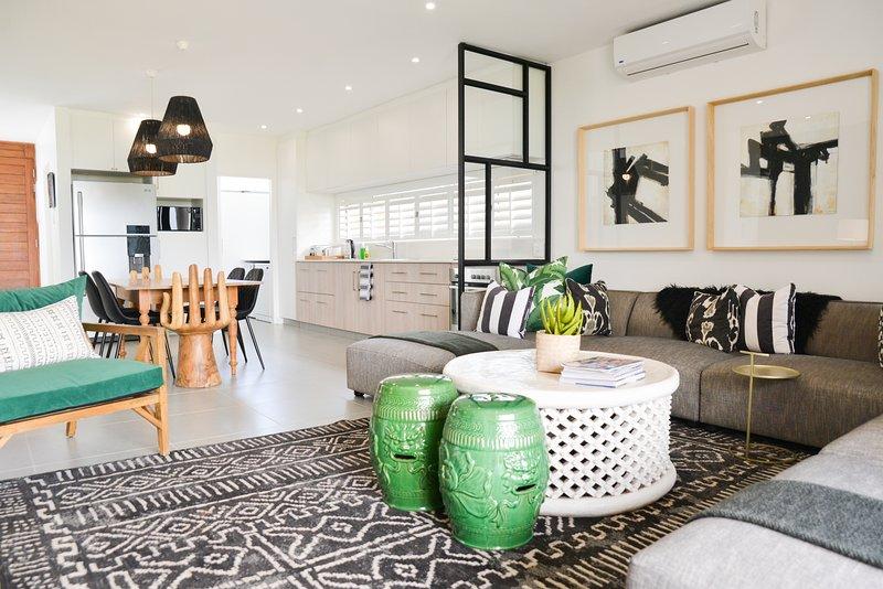Stylish Modern Ballito Holiday Home, alquiler de vacaciones en Ballito