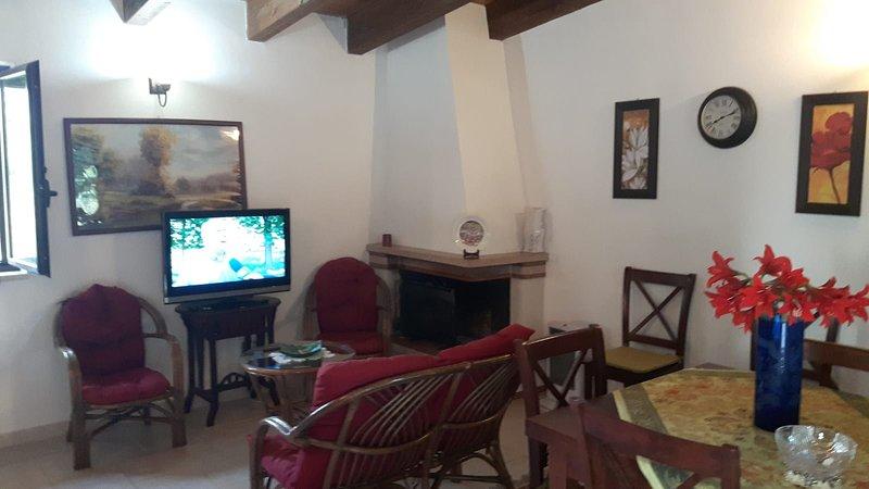 Casa Vacanza immersa nelle campagne della pre murgia barese, vacation rental in Toritto
