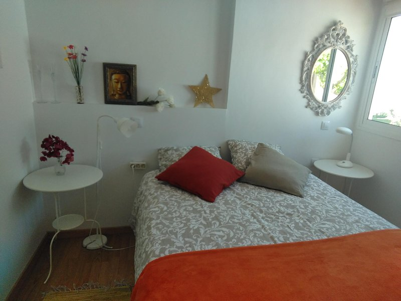 Beautiful apt with pool access, holiday rental in Fustes