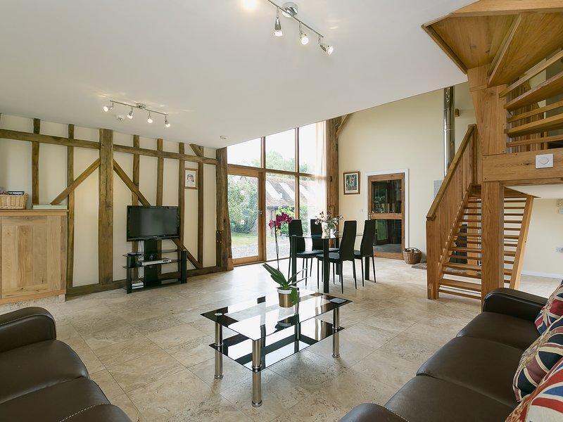 Chilsham Barn, vacation rental in Bodle Street Green