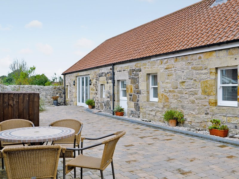 Castle Dairy - 27901, holiday rental in Luthrie