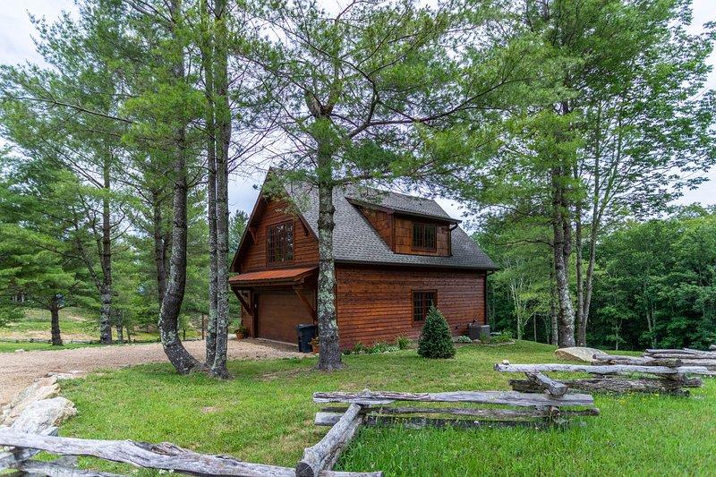 Deerview Cottage at Eagles Nest, alquiler de vacaciones en Banner Elk