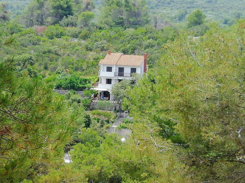 Casa rural para descansar en plena naturaleza con bonitas vistas al mar.