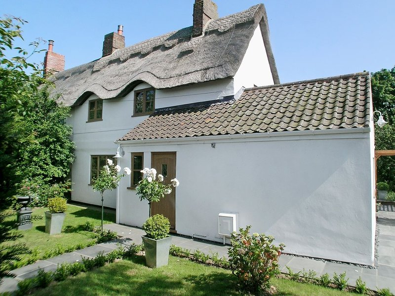May Cottage, holiday rental in Bacton