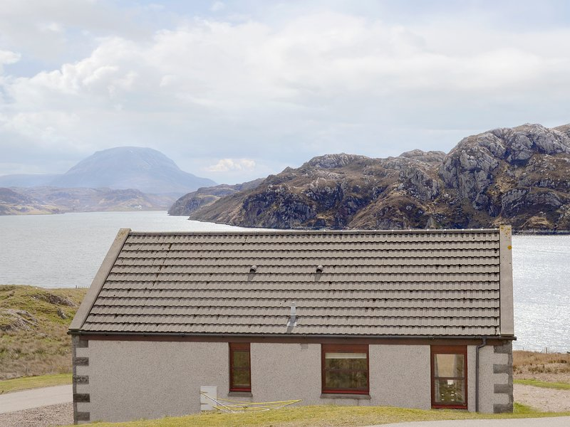 Lochinchard Cottages, holiday rental in Scourie