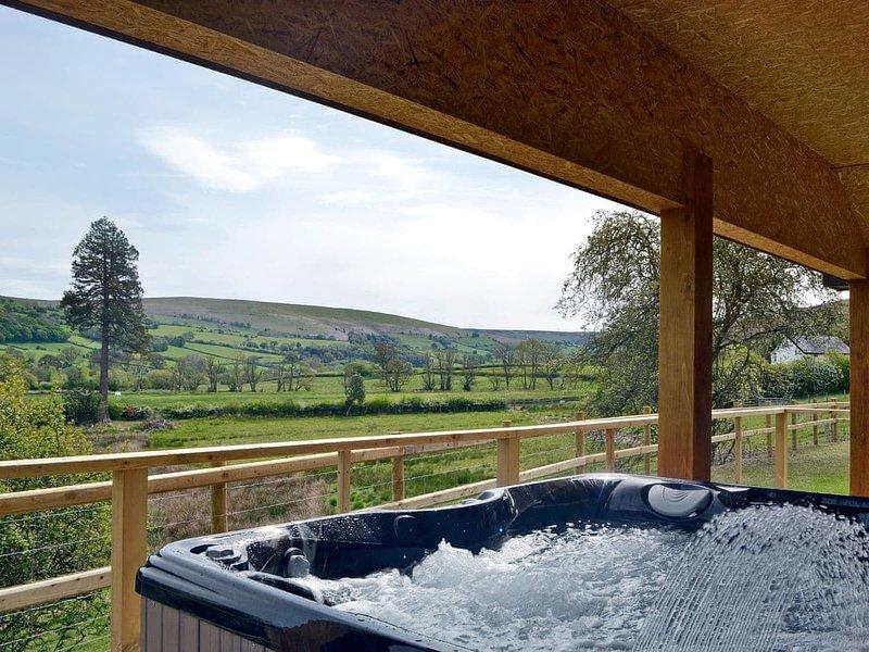 Woodland Lodge - UK6651, holiday rental in Howey