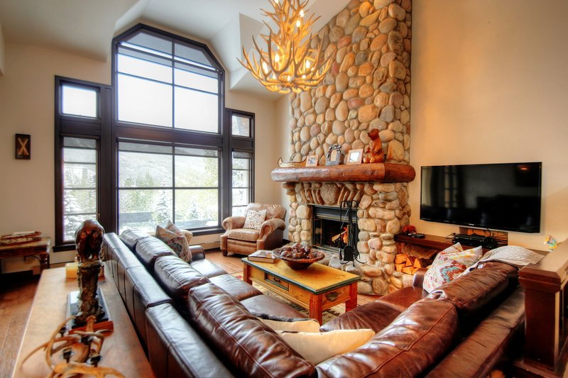 Impeccable Ski-In/Ski-Out Townhome with Views of the Lifts!, location de vacances à Beaver Creek