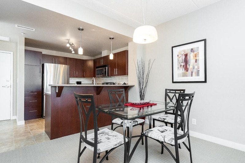 Classy building perched on a desirable Exchange District Street.  This fully furnished condo is located a stone's throw away from walking paths, shops and local restaurants!  This area is dripping with style and history!  Close to The Forks, Walking ...