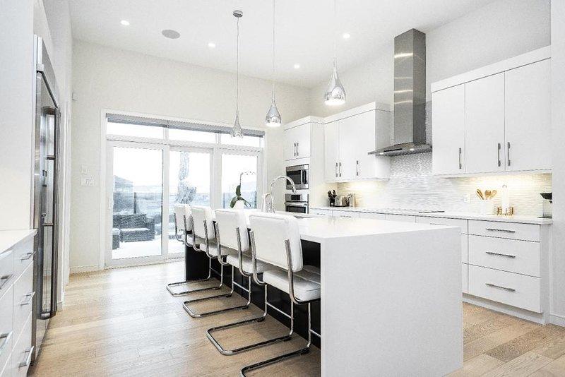 Custom Luxury In South Winnipeg – semesterbostad i Winnipeg