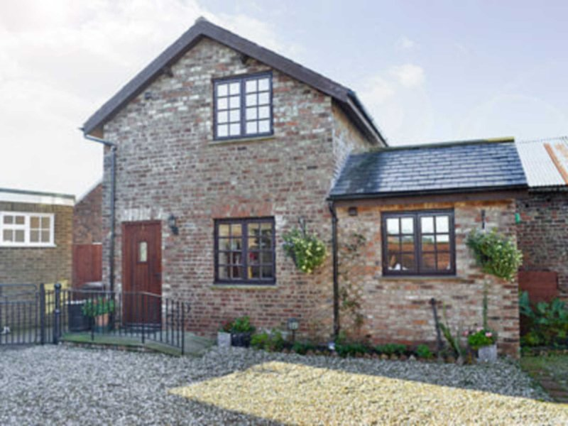 Thomsons Arms Cottages No1 -28041, holiday rental in Towthorpe