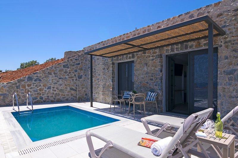 Incredible Sea view,Near the Beach,Next to Tavern,MiniMarket 1, holiday rental in Agios Pavlos