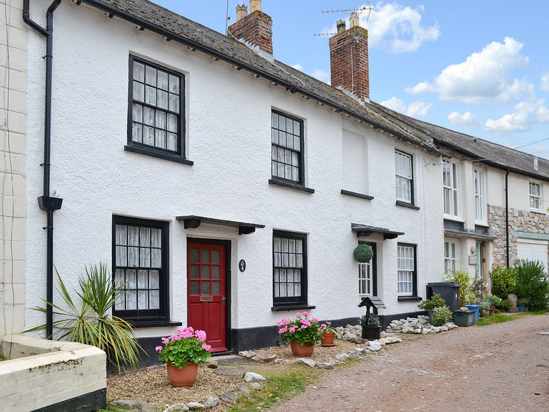 Pebbles, holiday rental in Lympstone