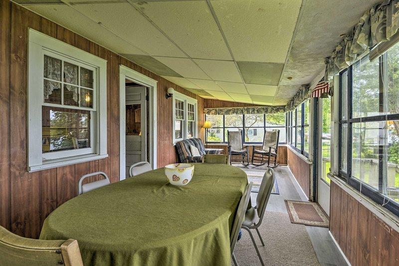 Hasta 6 personas están invitadas a instalarse para una estadía perfecta.