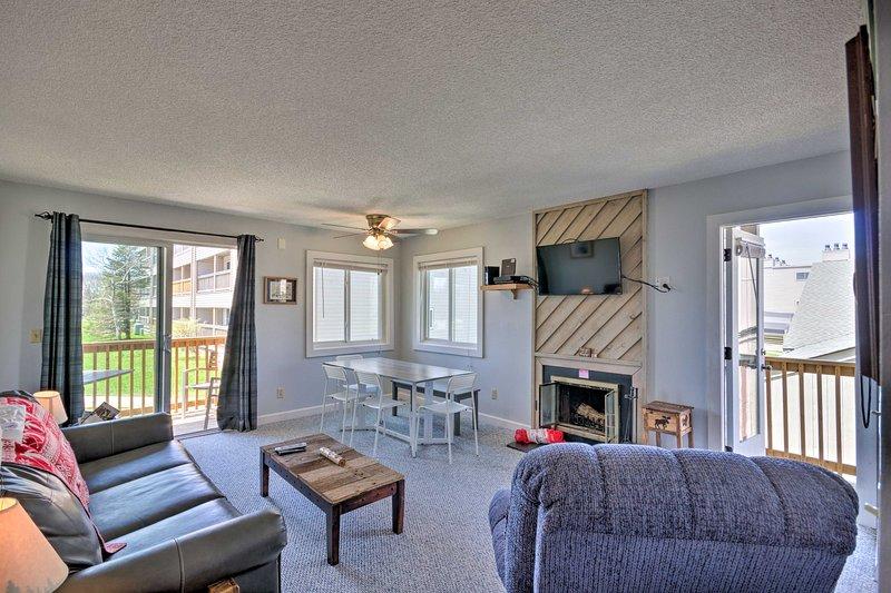 Haga de este alquiler de vacaciones en el Pinnacle Inn Resort su próxima base de operaciones.