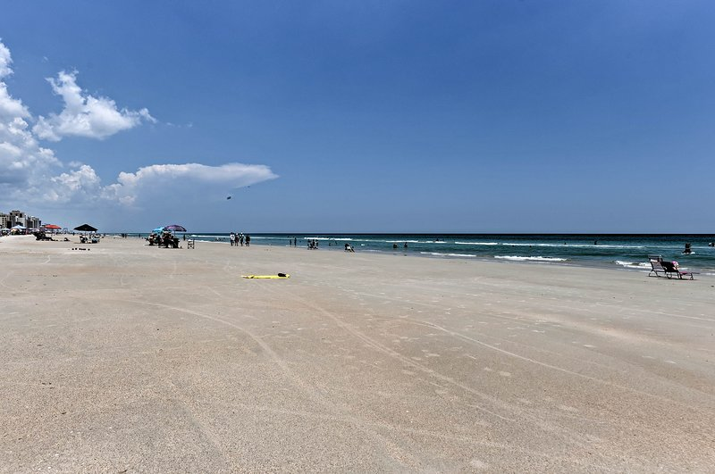 Explore Daytona Beach with ease from the beachfront unit by the sea!