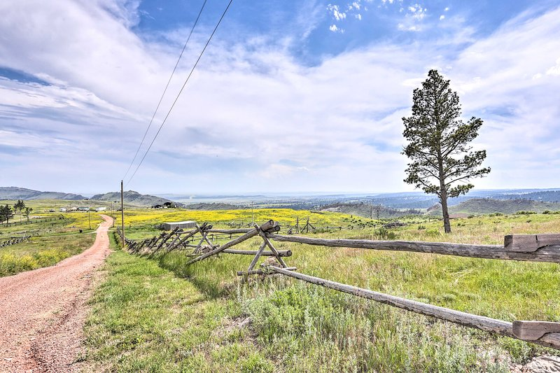 Custer State Park, Black Hills National Forest, and Mt Rushmore are all nearby.