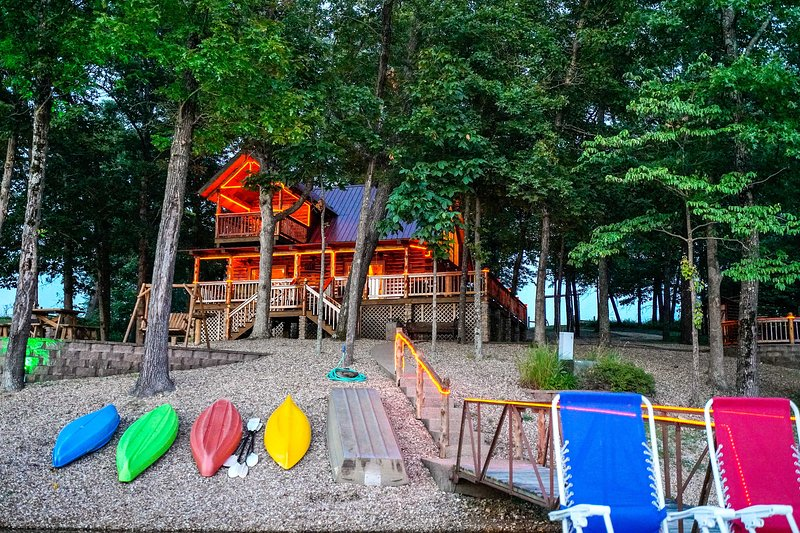 Plan your next getaway to 'Hix Lake and Cabin,' with 30 acres & a private lake.