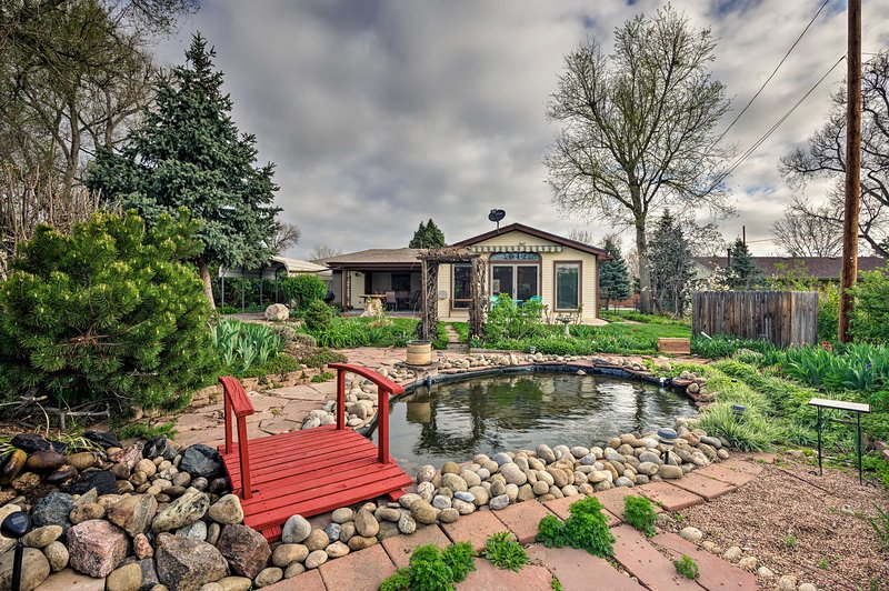 Arvada Home W Beautifully Landscaped Yard Has Internet Access