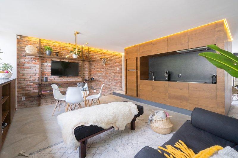Newly Renovated Design apta at Luscious Condesa, vacation rental in Mexico City