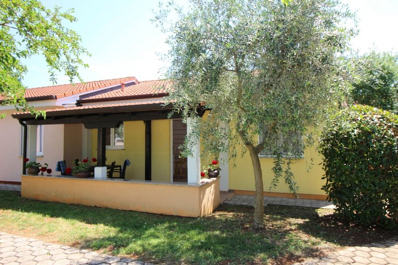 Ferienhaus 4400-3 für 3+2 Pers. in Porec, location de vacances à Varvari