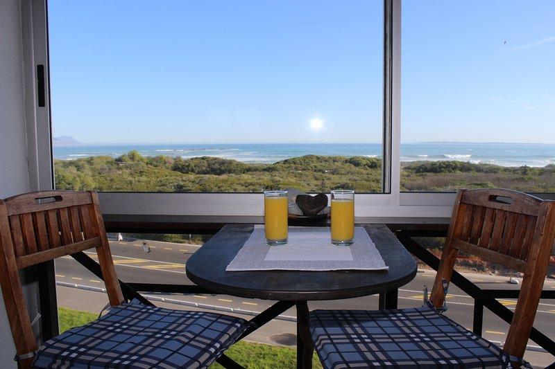 Big Bay holiday rental with excellent sea views, alquiler de vacaciones en Melkbosstrand