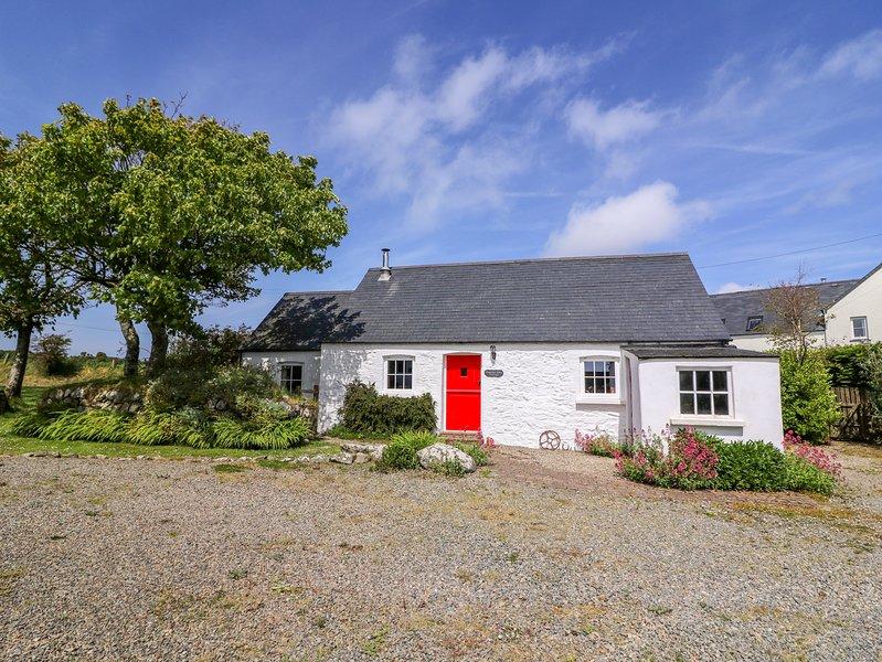 Trefechan Wen Cottage, Goodwick, holiday rental in Fishguard