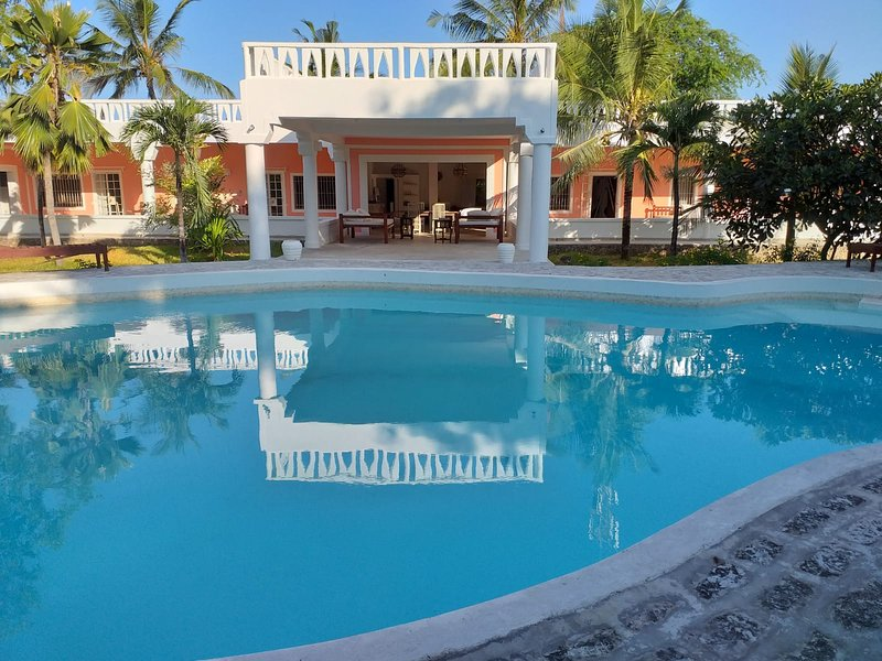 4 Bedroom Standalone House near Marine Park, vacation rental in Mambrui