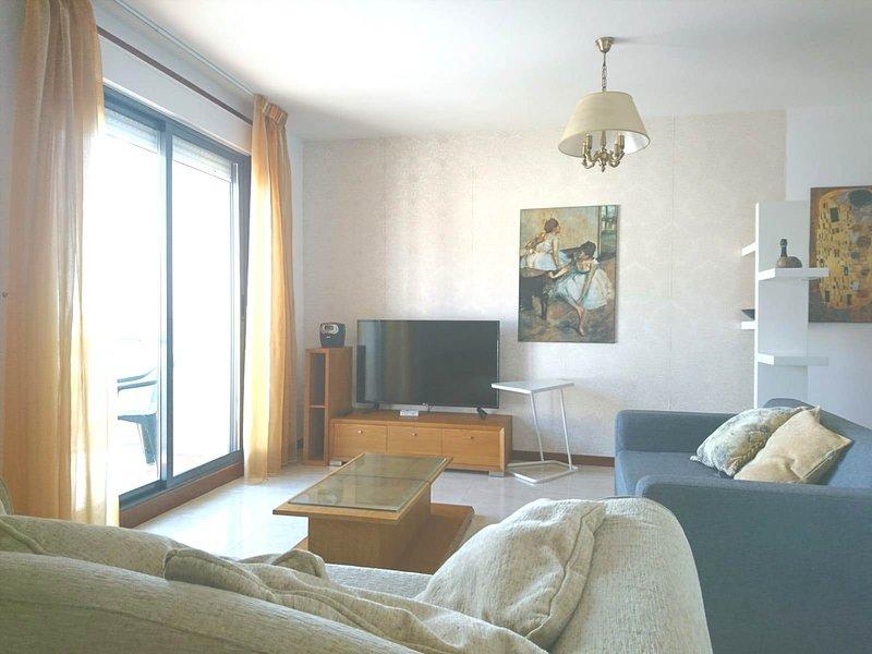 IDEAL CON NIÑOS - WIFI - PLAYA, holiday rental in Vilanova de Arousa