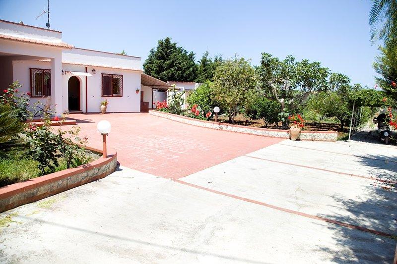 Casa Vacanze Cinisi, via Cipollazzo, aluguéis de temporada em Cinisi