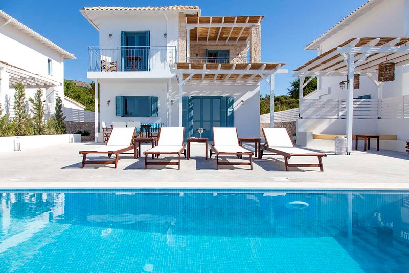 BrandNew Villa With Views &Private Pool Offers 10%Off For Bookings In Early July, holiday rental in Exanthia