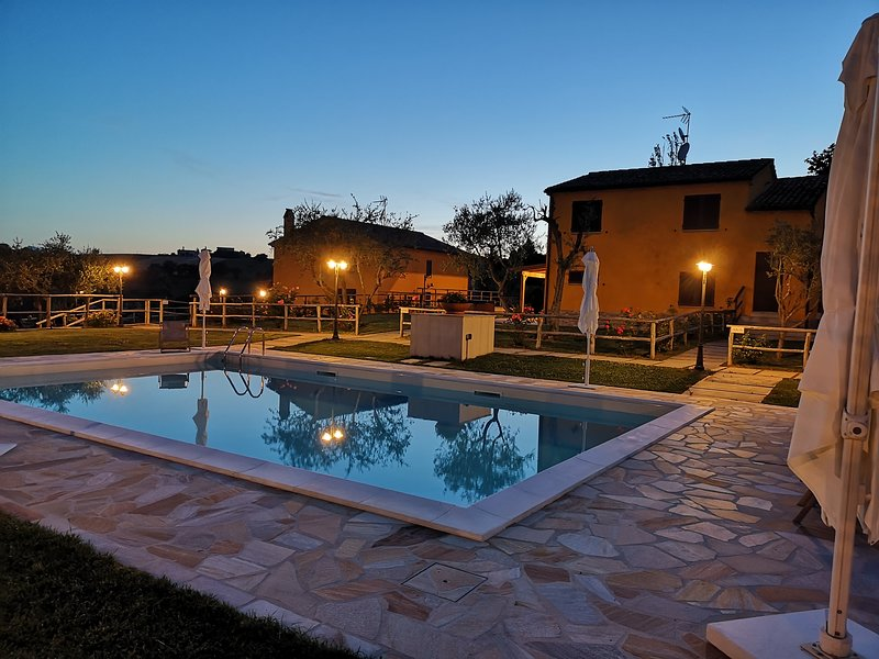 Montenovo Country House MODERNO, holiday rental in Ostra Vetere