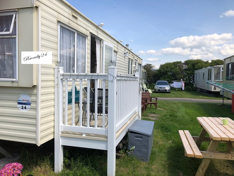 8 Berth Homely  Holiday caravan in Towyn North Wales available for hire, alquiler de vacaciones en Abergele