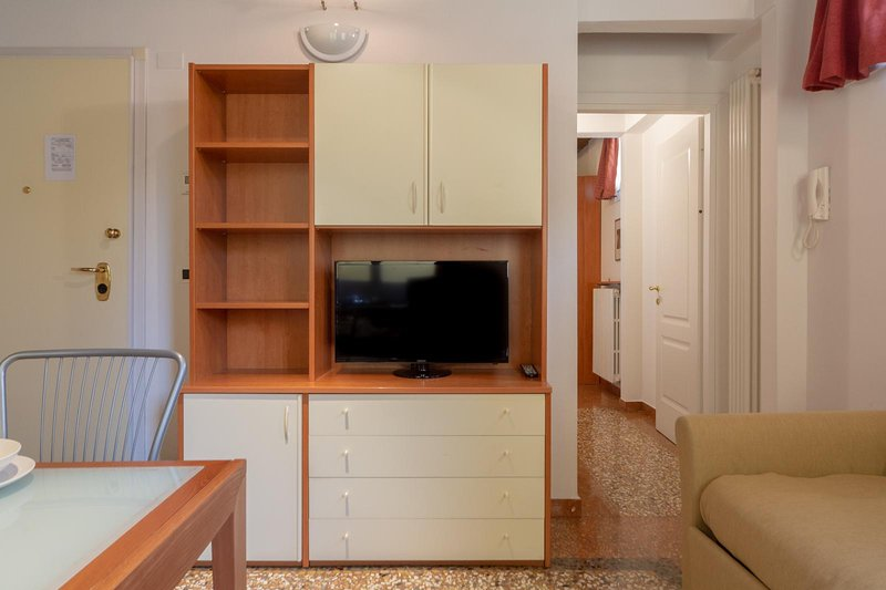Santo Stefano Apartments- One bedroom apartment with courtyard view, holiday rental in Rastignano