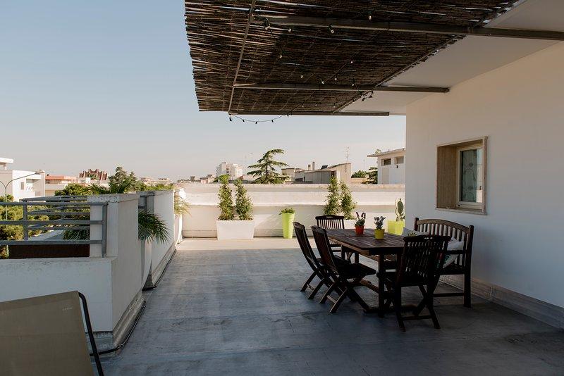 Attico 109 Galatina - Casa Vacanza con terrazza attrezzata a uso privato, holiday rental in Collemeto